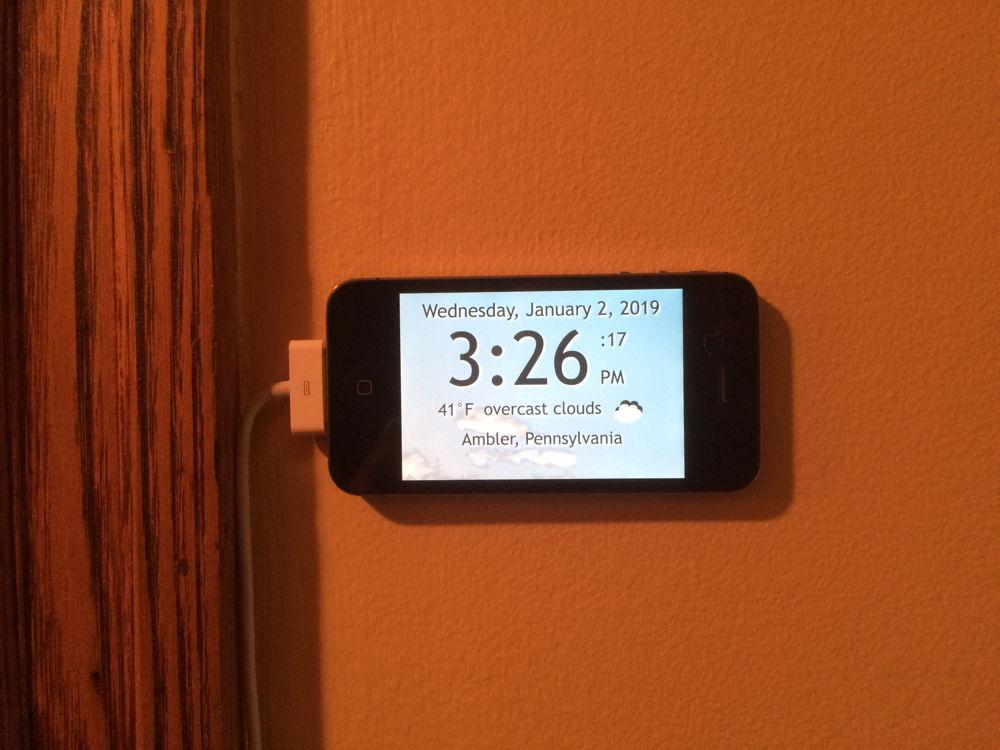 ClockOnWallCloseup How I Built a GPS-Powered Weather Clock With My Old iPhone 4 design tips